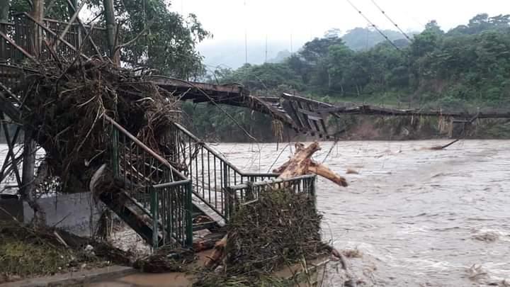 Puente arrasado